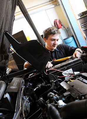 Level 2 Diploma in Light Vehicle Maintenance and Repair
